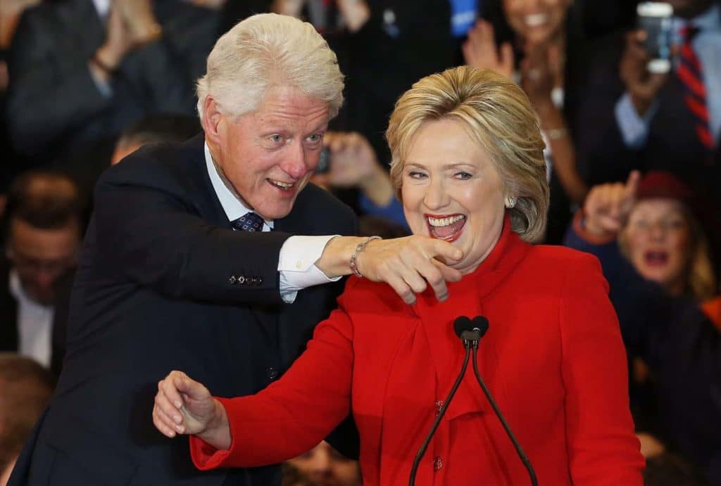 """Tickets to """"One-of-a-Kind"""" Bill and Hillary Clinton Event Priced $6.55, Arena 83% Empty"""