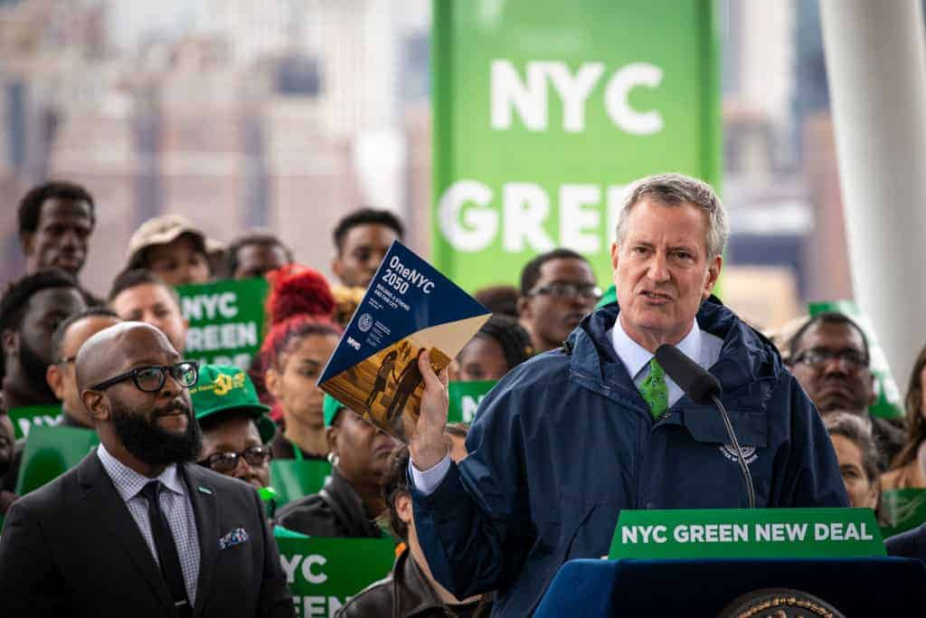 De Blasio Defends His Daily Gas Guzzling SUV Trips While Pitching Green New Deal