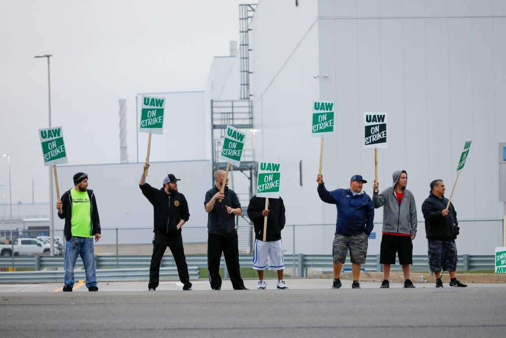50,000 United Auto Workers go on Strike, but Union Scandal may Hurt Negotiations