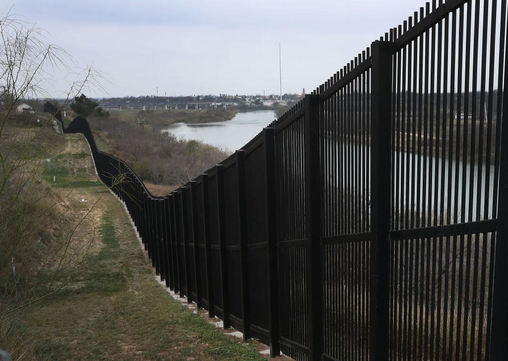 Texas Bill Defies Biden and Attempts to Complete Trump's Border Wall