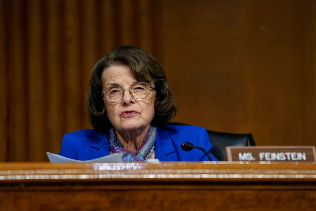 Dianne Feinstein Introduces Bill That Would Ban the AR-15