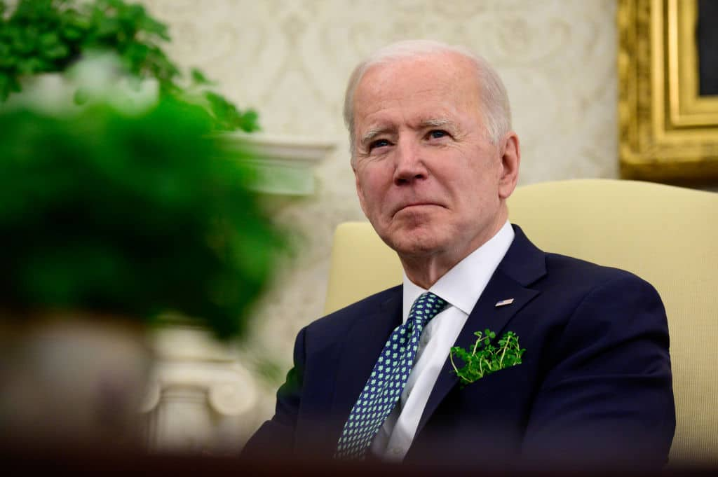 "Biden Already Set to Break ""No Taxes Unless You Earn $400k+"" Pledge – Claims Threshold Was for Married Couples"