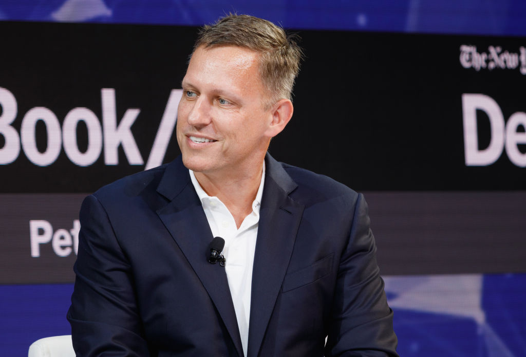 """YouTube Alternative """"Rumble"""" Attracts Investment From Venture Capitalist Peter Thiel"""