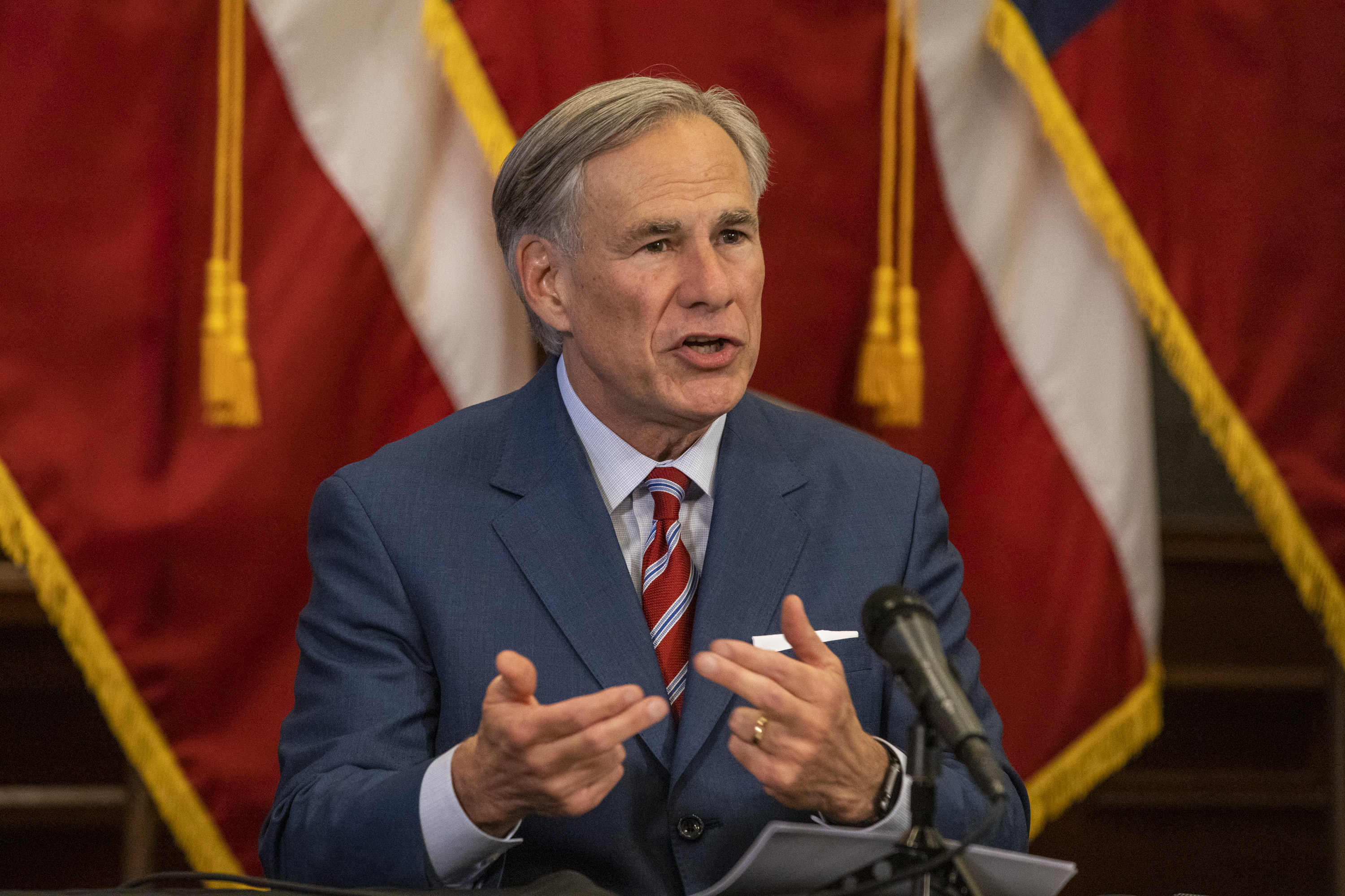 """Texas Gov. Abbott Signs """"Constitutional Carry"""" Into Law"""