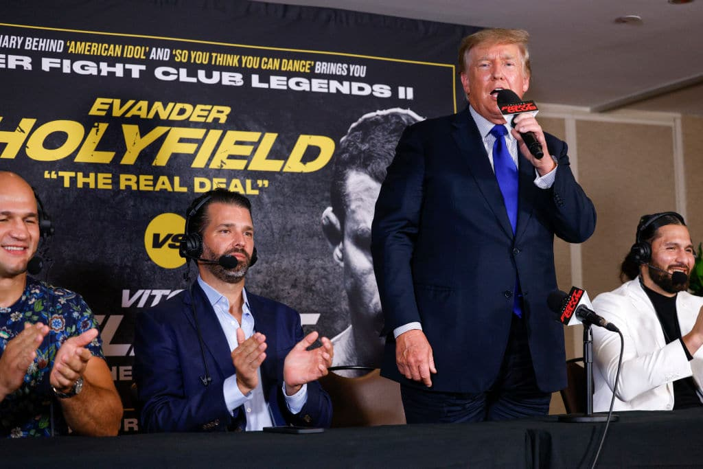 """Crowd ERUPTS With Chants of """"We Want Trump"""" at Boxing Match"""
